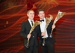 29.10.2015, Austria Center Vienna, Wien, AUT, Lotterien-Gala, Nacht des Sports 2015, im Bild v.l.n.r. Marcel Koller (Special Award) und Marcel Hirscher (Sportler des Jahres) // during Lotterien galanight of sports 2015 at Austria Center in Vienna on 2015/10/29, EXPA Pictures © 2015 PhotoCredit: EXPA/ Michael Gruber