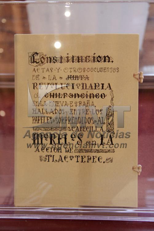 Toluca, México.- La Casa de las Diligencias abrió sus puertas para presentar la exposición itinerante Facsímiles de los Sentimientos de la Nación y de las Constituciones de 1824, 1857 y 1917.  Agencia MVT / Crisanta Espinosa