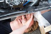 In Lelystad test het HPT de VeloX V op de RDW baan. In september wil het Human Power Team Delft en Amsterdam, dat bestaat uit studenten van de TU Delft en de VU Amsterdam, een poging doen het wereldrecord snelfietsen te verbreken, dat nu op 133,8 km/h staat tijdens de World Human Powered Speed Challenge.<br /> <br /> With the special recumbent bike the Human Power Team Delft and Amsterdam, consisting of students of the TU Delft and the VU Amsterdam, also wants to set a new world record cycling in September at the World Human Powered Speed Challenge. The current speed record is 133,8 km/h.