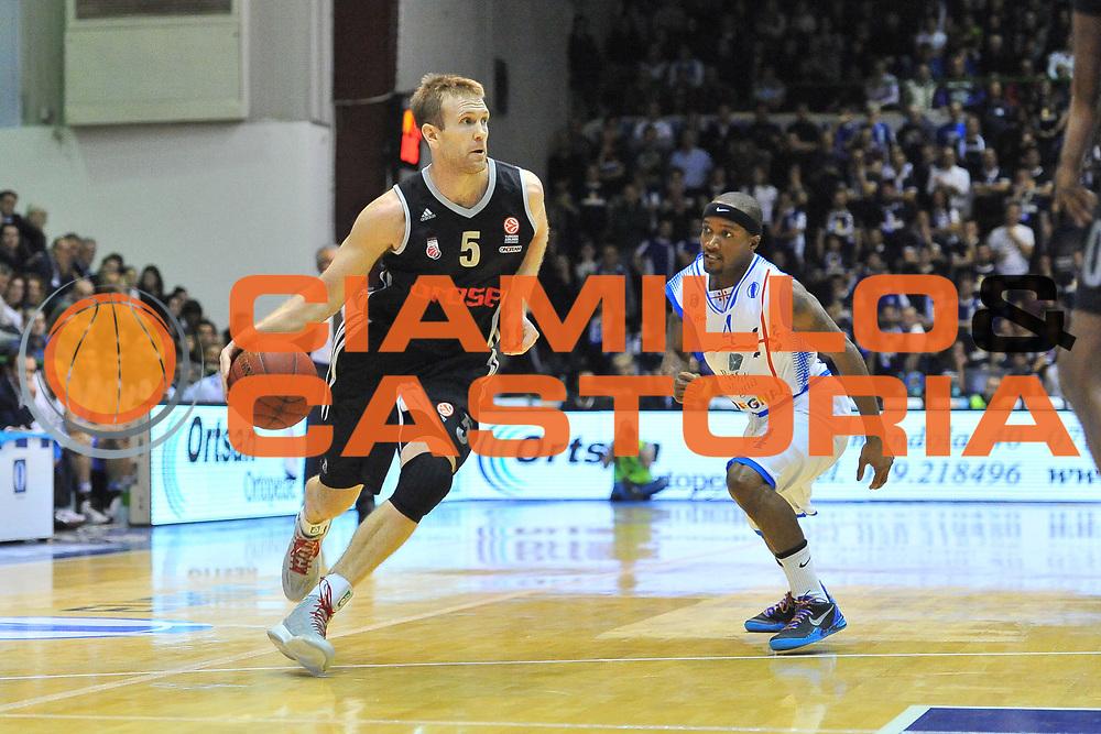 DESCRIZIONE : Eurocup 2013/14 Gr. J Dinamo Banco di Sardegna Sassari -  Brose Basket Bamberg<br /> GIOCATORE : John Goldsberry<br /> CATEGORIA : Palleggio Penetrazione<br /> SQUADRA : Brose Basket Bamberg<br /> EVENTO : Eurocup 2013/2014<br /> GARA : Dinamo Banco di Sardegna Sassari -  Brose Basket Bamberg<br /> DATA : 19/02/2014<br /> SPORT : Pallacanestro <br /> AUTORE : Agenzia Ciamillo-Castoria / Luigi Canu<br /> Galleria : Eurocup 2013/2014<br /> Fotonotizia : Eurocup 2013/14 Gr. J Dinamo Banco di Sardegna Sassari - Brose Basket Bamberg<br /> Predefinita :