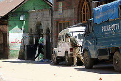 June 23, 2017 - Anantnag, Jammu and Kashmir, India - Massive clashes broke out between protesters and government security forces in Reshi Bazar area of Anantang district soon as congregational Friday prayers culminated. Youth assembled and hurled stones on government forces and forces resorted teargas shelling (Credit Image: © Aasif Shafi/Pacific Press via ZUMA Wire)