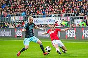 ALKMAAR - 06-11-2016, AZ - Ajax, AFAS Stadion, 2-2, Ajax speler Davy Klaassen, AZ speler Ben Rienstra.
