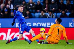 Jamie Vardy of Leicester City has a shot saved by Neil Etheridge of Cardiff City - Mandatory by-line: Robbie Stephenson/JMP - 29/12/2018 - FOOTBALL - King Power Stadium - Leicester, England - Leicester City v Cardiff City - Premier League