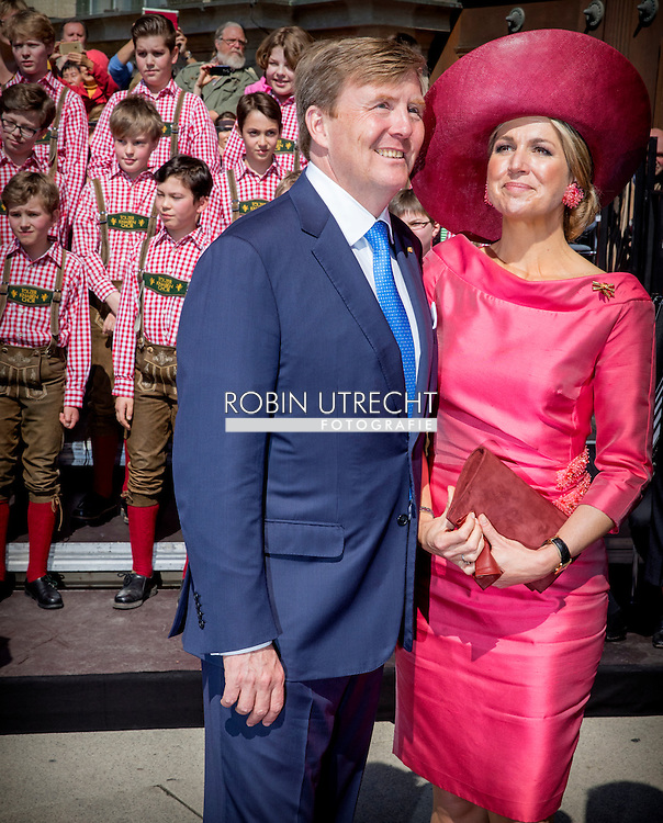13-4-2016 -MUNCHEN - King Willem-Alexander and Queen Maxima of The Netherlands visits prime minister Horst Seehofer and his wife in Munchen, Germany, 13 April 2016. The King and the Queen visit the state Bavaria in Germany 13 and 14 april. COPYRIGHT ROBIN UTRECHT