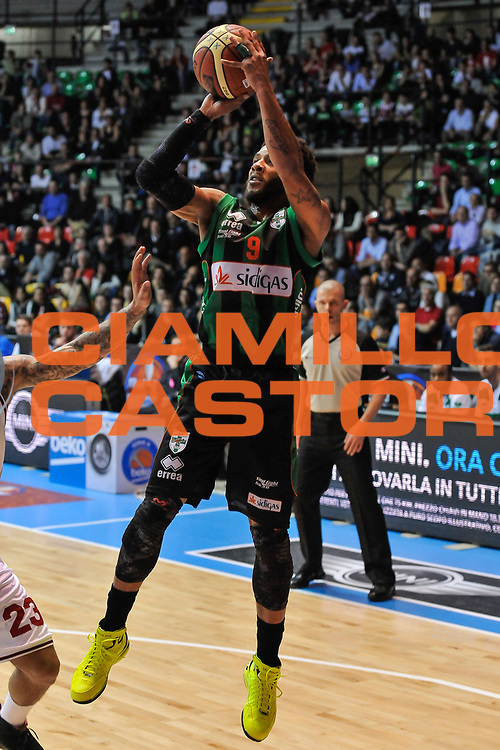 DESCRIZIONE : Final Eight Coppa Italia 2015 Desio Quarti di Finale Olimpia EA7 Emporio Armani Milano - Sidigas Scandone Avellino<br /> GIOCATORE : Adrian Banks<br /> CATEGORIA : Tiro<br /> SQUADRA : Sidigas Scandone Avellino<br /> EVENTO : Final Eight Coppa Italia 2015 Desio<br /> GARA : Olimpia EA7 Emporio Armani Milano - Sidigas Scandone Avellino<br /> DATA : 20/02/2015<br /> SPORT : Pallacanestro <br /> AUTORE : Agenzia Ciamillo-Castoria/L.Canu