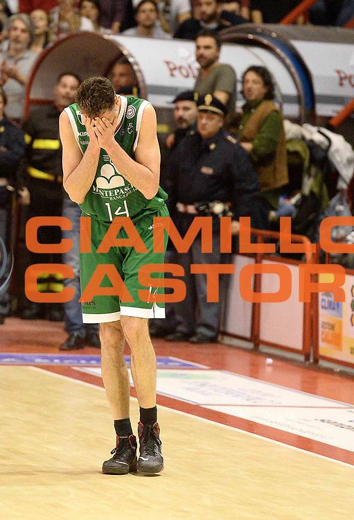 DESCRIZIONE : Pistoia Lega serie A 2013/14 Giorgio Tesi Group Pistoia Montepaschi Siena<br /> GIOCATORE : Tomas Ress<br /> CATEGORIA : delusione<br /> SQUADRA : Giorgio Tesi Group Pistoia Montepaschi Siena<br /> EVENTO : Campionato Lega Serie A 2013-2014<br /> GARA : Giorgio Tesi Group Pistoia Montepaschi Siena<br /> DATA : 16/03/2013<br /> SPORT : Pallacanestro<br /> AUTORE : Agenzia Ciamillo-Castoria/M.Greco<br /> Galleria : Lega Seria A 2013-2014<br /> Fotonotizia : Pistoia Lega serie A 2013/14 Giorgio Tesi Group Pistoia Montepaschi Siena<br /> Predefinita :