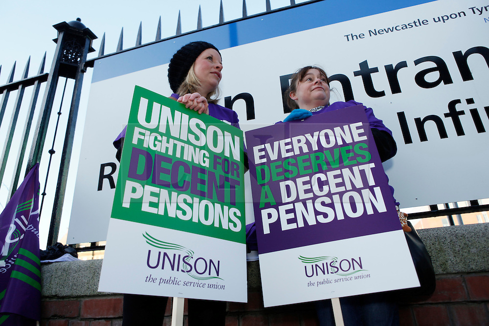 © Licensed to London News Pictures. 20/10/11Newcastle Upon Tyne. UK. Public Sector workers strike outside the Great North Childrens Hospital in Newcastle Upon Tyne. Photo credit : John Millard/LNP