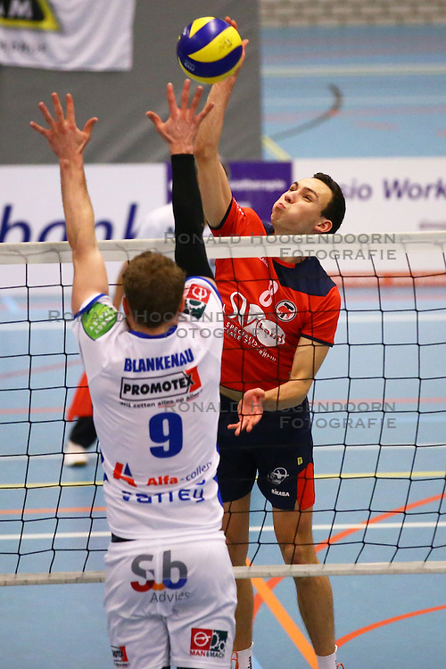 20160109 NED: Volleybal: SV Land Taurus - Abiant Lycurgus, Houten<br />Hans van Westrienen of SV Land Taurus