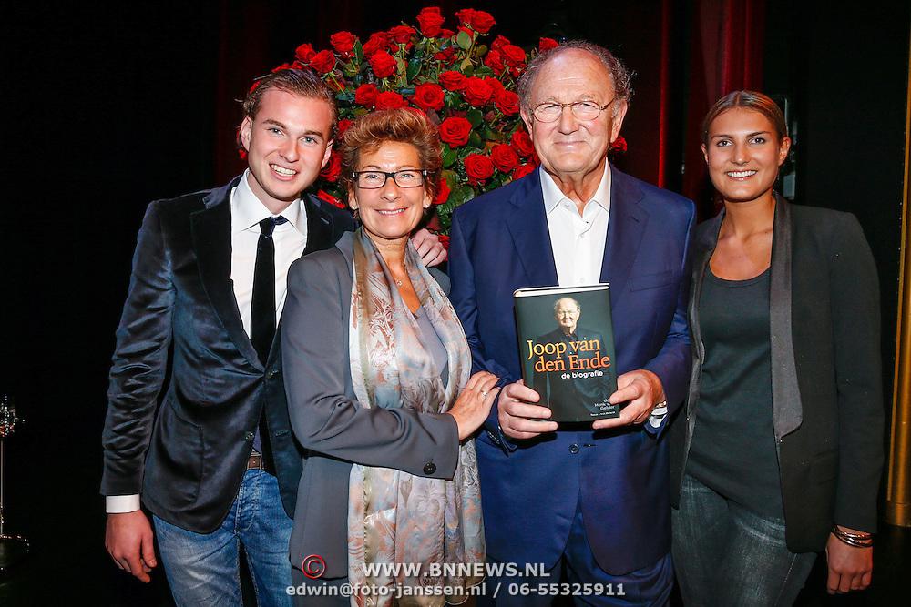 NLD/Amsteram/20121024- Presentatie biografie Joop van den Ende, Joop van den Ende, partner Janine Klijburg en kinderen Vincent en Iris