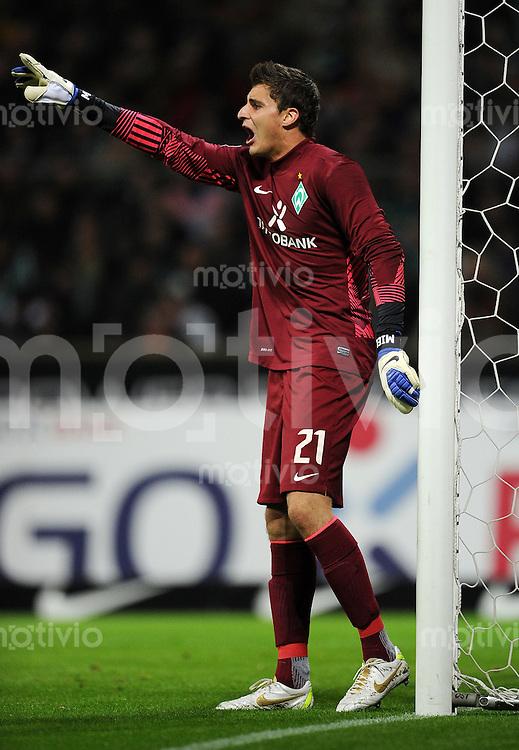 FUSSBALL   1. BUNDESLIGA   SAISON 2011/2012    9. SPIELTAG SV Werder Bremen - Borussia Dortmund                 14.10.2011 Sebastian MIELITZ (SV Werder Bremen)