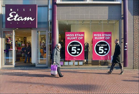 Nederland, Nijmegen, 19-1-2013Uitverkoop bij Miss Etam. Het kledingbedrijf heeft in 2015 uitstel van betaling aangevraagd, wat vaak een opmaat is voor faillisement.Foto: Flip Franssen/Hollandse Hoogte