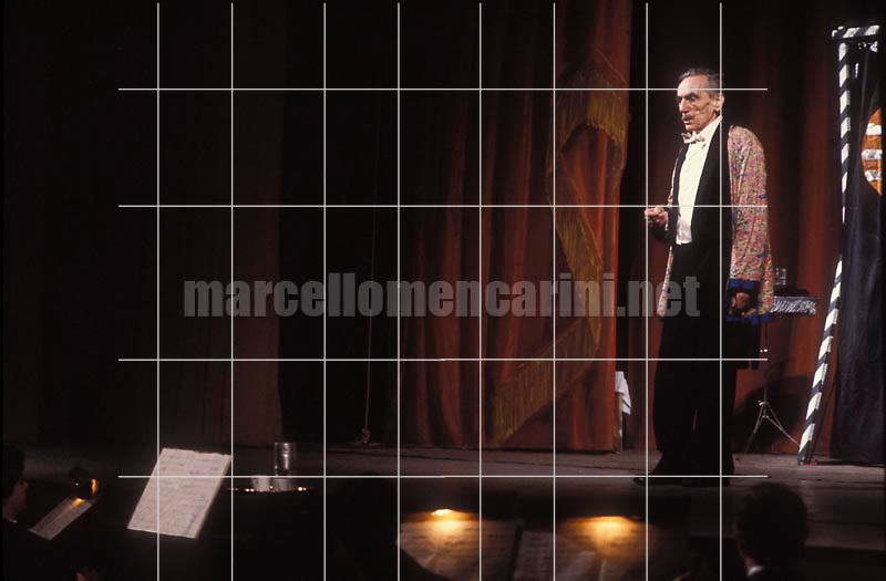 "Rome, Quirino Theater, 1981. Italian playwright Eduardo De Filippo acting in the play written by himself ""Sik Sik"", his last performance as an actor / Roma, Teatro Quirino, 1981. Eduardo De Filippo mentre recita nello spettacolo ""Sik Sik"", la sua ultima performance come attore -© Marcello Mencarini"