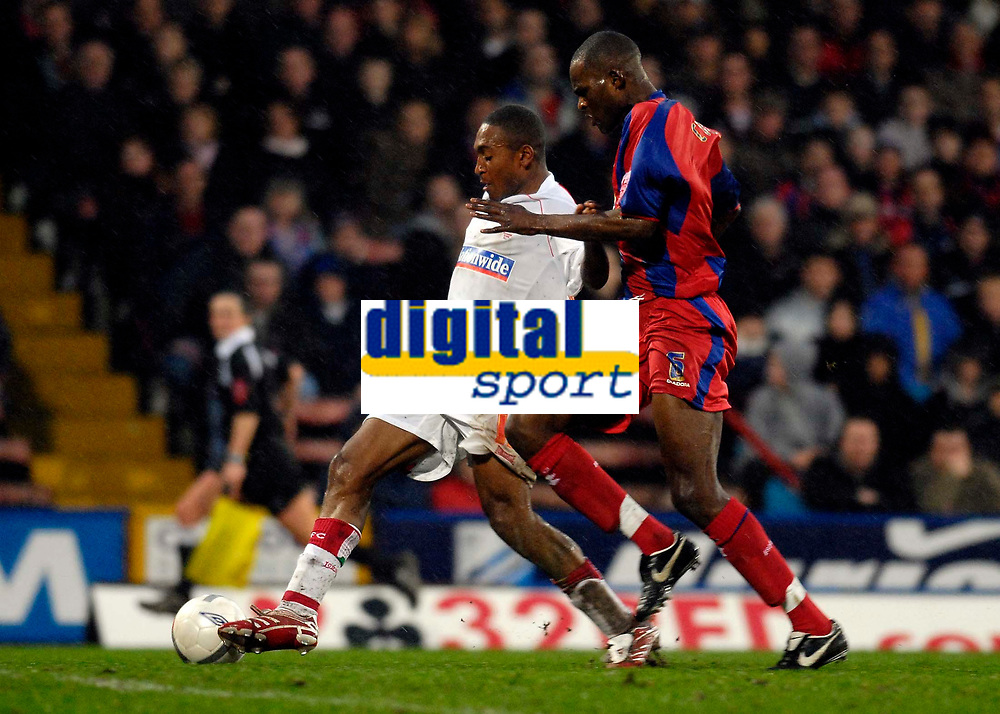 Photo: Alan Crowhurst.<br />Crystal Palace v Swindon Town. The FA Cup. 06/01/2007. Swindon's Ricky Shakes (L) on the attack.