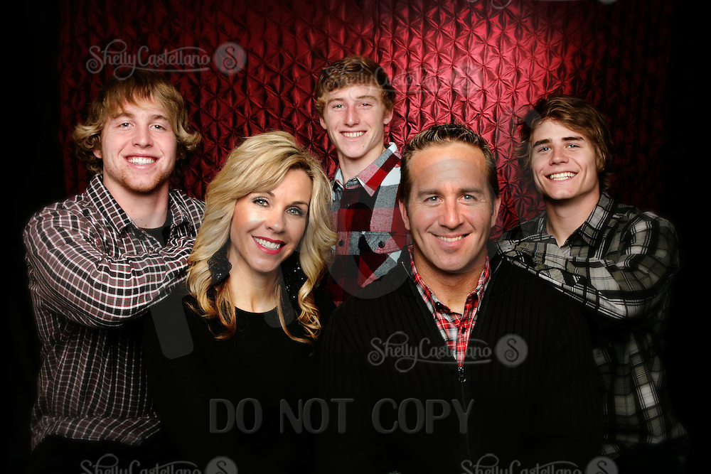 10 December 2010:  Ed, Vona, Brett (19), Blake (18) and Bowen (16) Breunig Family in studio for family portrait.