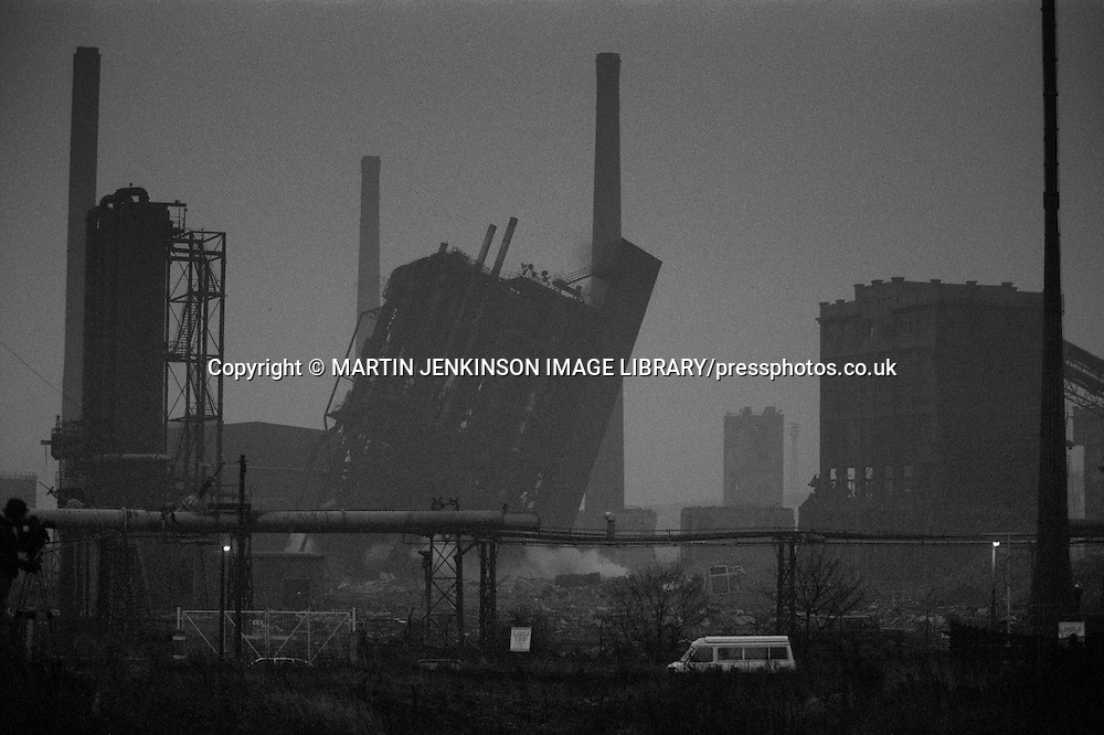 Early morning demolition of the Orgreave coking plant. 16 November 1991<br /> &copy; Martin Jenkinson - Copyright Designs &amp; Patents Act 1988, moral rights asserted credit required. No part of this photo to be stored, reproduced, manipulated or transmitted to third parties by any means without prior written permission