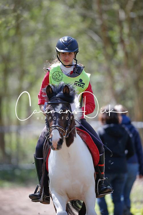 Henrard Ynke (BEL) - Yakari<br /> Nationale Pony eventing Affligem 2013<br /> © Dirk Caremans
