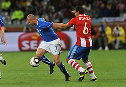 Football - soccer: FIFA World Cup South Africa 2010, Italy (ITA) - Paraguay (PRY), SIMONE PEPE CONTRASTATO DA BONET