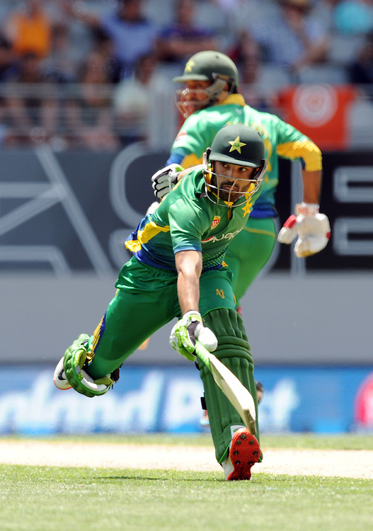 Pakistan's Mohammad Rizwan makes his ground against New Zealand in the 3rd ODI International Cricket match at Eden Park, Auckland, New Zealand, Sunday, January 31, 2016. Credit:SNPA / Ross Setford