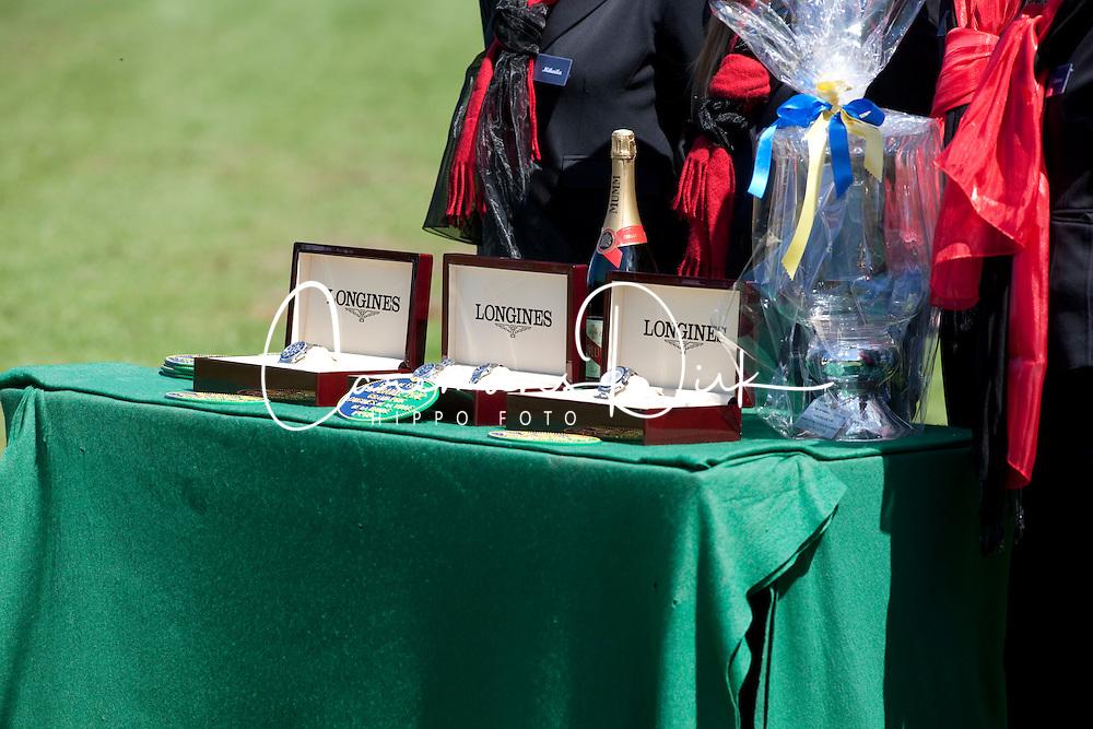 Prizes for the best three of the Grand Prix Longines de la ville de La Baule 2012<br /> © Dirk Caremans