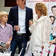 NLD/Utrecht/20100607 - Presentatie tijdschrift Helden nr.5, Edwin van der Sar en partner Annemarie van Kesteren