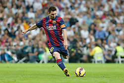 25.10.2014, Estadio Santiago Bernabeu, Madrid, ESP, Primera Division, Real Madrid vs FC Barcelona, 9. Runde, im Bild Barcelona´s Leo Messi // during the Spanish Primera Division 9th round match between Real Madrid CF and FC Barcelona at the Estadio Santiago Bernabeu in Madrid, Spain <br /> <br /> ***** NETHERLANDS ONLY *****