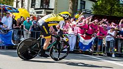 06-05-2016 NED: Giro d Italia 2016 Etappe 1, Apeldoorn<br /> De 99ste editie van de Ronde van Italië. De eerste etappe, een individuele tijdrit van 9,8 kilometer / Maarten Tjallingii NED - Team Lotto Jumbo