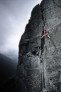 Bob Murdoch on Kern Knotts Crack, Kern Knotts, Great Gable, Wasdale, Lake District, Cumbria, England, UK
