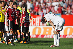 09.04.2011, easy Credit Stadion, Nuernberg, GER, 1 FC Nuernberg vs FC Bayern Muenchen, im Bild:  Mario Gomez (Muenchen #33) niedergeschlagen nach Spielende.EXPA Pictures © 2011, PhotoCredit: EXPA/ nph/  news       ****** out of GER / SWE / CRO  / BEL ******