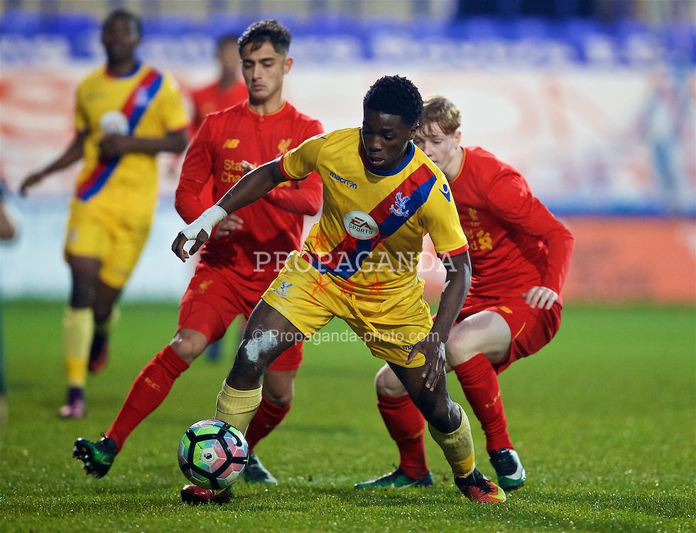 BIRKENHEAD, ENGLAND - Saturday, December 17, 2016: Crystal Palace's Levi Lumeka in action against Liverpool during the FA Youth Cup 3rd Round match at Prenton Park. (Pic by David Rawcliffe/Propaganda)