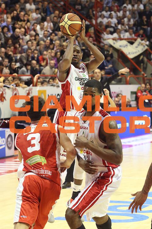 DESCRIZIONE : Campionato 2014/15 Giorgio Tesi Group Pistoia - Consultinvest Pesaro<br /> GIOCATORE : Williams C.J.<br /> CATEGORIA : Tiro<br /> SQUADRA : Giorgio Tesi Group Pistoia<br /> EVENTO : LegaBasket Serie A Beko 2014/2015<br /> GARA : Giorgio Tesi Group Pistoia - Consultinvest Pesaro<br /> DATA : 29/12/2014<br /> SPORT : Pallacanestro <br /> AUTORE : Agenzia Ciamillo-Castoria / Stefano D'Errico<br /> Galleria : LegaBasket Serie A Beko 2014/2015<br /> Fotonotizia : Campionato 2014/15 Giorgio Tesi Group Pistoia - Consultinvest Pesaro<br /> Predefinita :
