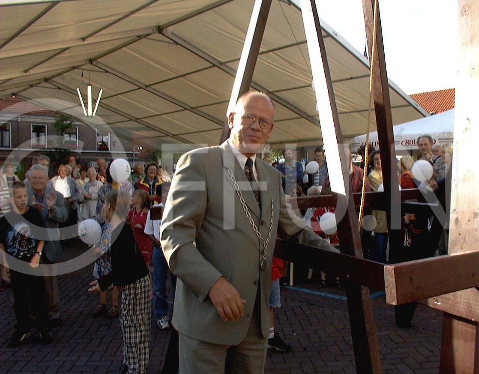 ommen 07-07-97 opening bissinghfeest door burgermeester...fotografie uijlenbroek©/henk offenberg