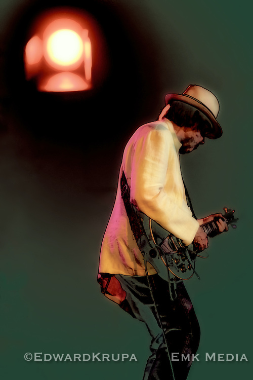 Neil Young on Les Noise tour 2011