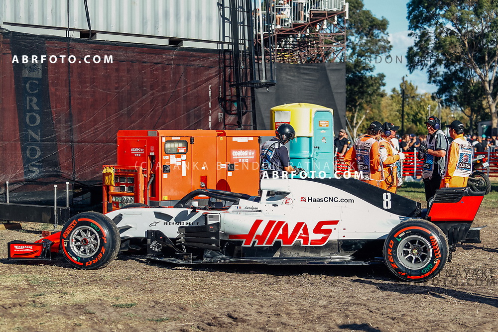 Haas driver Romain Grosjean of France car gets taken off the track after a mechanical failure during the 2018 Rolex Formula 1 Australian Grand Prix at Albert Park, Melbourne, Australia, March 24, 2018.  Asanka Brendon Ratnayake during the 2018 Rolex Formula 1 Australian Grand Prix at Albert Park, Melbourne, Australia, March 24, 2018.  Asanka Brendon Ratnayake