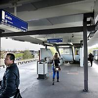 Nederland, Amsterdam , 21 april 2010.Eindstation van metrolijn 50 in Gein bij Maria Snelplantsoen..Foto:Jean-Pierre Jans