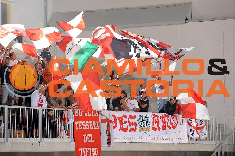 DESCRIZIONE : Urbino Lega A 2009-10 Basket Amichevole Scavolini Spar Pesaro Bancatercas Teramo<br /> GIOCATORE : tifosi supporters<br /> SQUADRA : Scavolini Spar Pesaro <br /> EVENTO : Campionato Lega A 2009-2010 <br /> GARA : Scavolini Spar Pesaro Bancatercas Teramo<br /> DATA : 09/09/2009<br /> CATEGORIA : ritratto<br /> SPORT : Pallacanestro <br /> AUTORE : Agenzia Ciamillo-Castoria/G.Ciamillo
