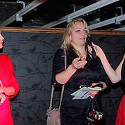 NLD/Amsterdam/20121129- Uitreiking Red's Hot Women Awards 2012, Winnares in de categorie Creatief Linelle Deunk