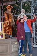 Nederland staat op tegen kanker 2019 in 's-Hertogenbosch.<br /> <br /> Op de foto: Willeke Alberti en Kjeld Nuis