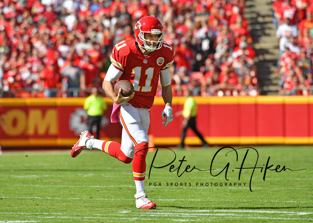 KANSAS CITY, MO - OCTOBER 23:  Quarterback Alex Smith #11 of the Kansas City Chiefs scrambles with the ball against the New Orleans Saints during the first half on October 23, 2016 at Arrowhead Stadium in Kansas City, Missouri.  (Photo by Peter G. Aiken/Getty Images) *** Local Caption *** Alex Smith