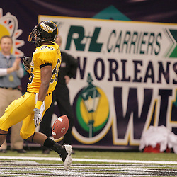 21 December 2008:  Southern Miss wide receiver Gerald Baptiste (86) runs towards the endzone after making a catch during a 30-27 overtime victory by the Southern Mississippi Golden Eagles over the Troy Trojans in the  R+L Carriers New Orleans Bowl at the New Orleans Superdome in New Orleans, LA.