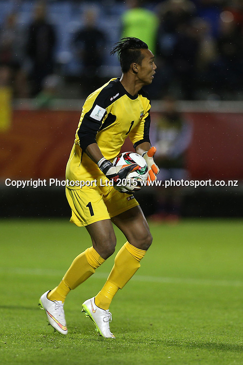 Goalkeeper Myo Min Latt of Myanmar in the Group A FIFA U20 World Cup Match between USA and Myanmar at Northlands Event Centre, Whangarei, Northland, New Zealand, Saturday, May 30, 2015. Copyright photo: David Rowland / www.photosport.co.nz