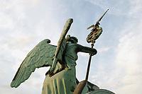 21 JUN 2002, BERLIN/GERMANY:<br /> Die Quadriga auf dem Brandenburger Tor im Detail<br /> IMAGE: 20020621-03-101<br /> KEYWORDS: Denkmal, Pferd, Sehenswuerdigkeit, Sehenswürdigkeit