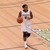 1st year guard Kyia Giles (6) of the Regina Cougars in action during the Women's Basketball Preseason game on October 14 at Centre for Kinesiology, Health and Sport. Credit: Arthur Ward/Arthur Images