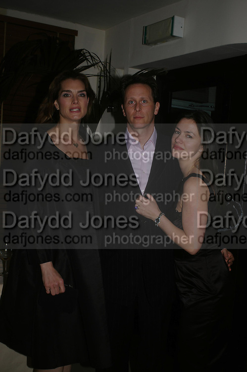 Brooke Shields, Steven Webber and Juliet Hohnen. Dinner at San Lorenzo, Beauchamp Place after Tod's hosts Book signing with Dante Ferretti celebrating the launch of 'Ferretti,- The art of production design' by Dante Ferretti. 19 April 2005.  ONE TIME USE ONLY - DO NOT ARCHIVE  © Copyright Photograph by Dafydd Jones 66 Stockwell Park Rd. London SW9 0DA Tel 020 7733 0108 www.dafjones.com
