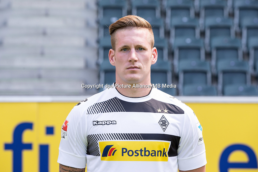 German Bundesliga - Season 2016/17 - Photocall Borussia Moenchengladbach on 1 August 2016 in Moenchengladbach, Germany: Andre Hahn. Photo: Maja Hitij/dpa | usage worldwide