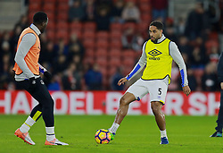 SOUTHAMPTON, ENGLAND - Saturday, November 19, 2016: Everton's Ashley Williams warms-up before the FA Premier League match against Southampton at St. Mary's Stadium. (Pic by David Rawcliffe/Propaganda)