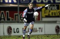 Fotball, 21. desember 2003, <br /> KSK LIERSE - FC BRUGGE / SK LIERSE - CLUB BRUGGE <br /> Bentg Sæternes, Brugge, nå også som keeper<br /> Foto: Nico Vereecken, Digitalsport