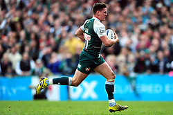 Freddie Burns of Leicester Tigers runs in a try in the first half - Mandatory byline: Patrick Khachfe/JMP - 07966 386802 - 10/04/2016 - RUGBY UNION - Welford Road - Leicester, England - Leicester Tigers v Stade Francais - European Rugby Champions Cup Quarter Final.