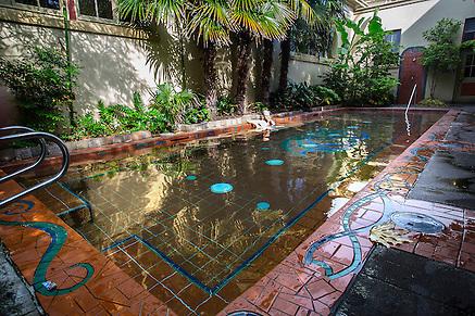 Kennedy school soaking pool mcmenamins for Public swimming pools portland or