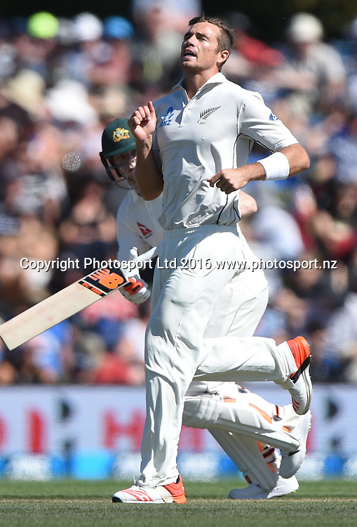 Tim Southee shows his frustration on Day 2 of the 2nd test match. New Zealand Black Caps v Australia. Hagley Oval in Christchurch, New Zealand. Sunday 21 February 2016. Copyright photo: Andrew Cornaga / www.photosport.nz