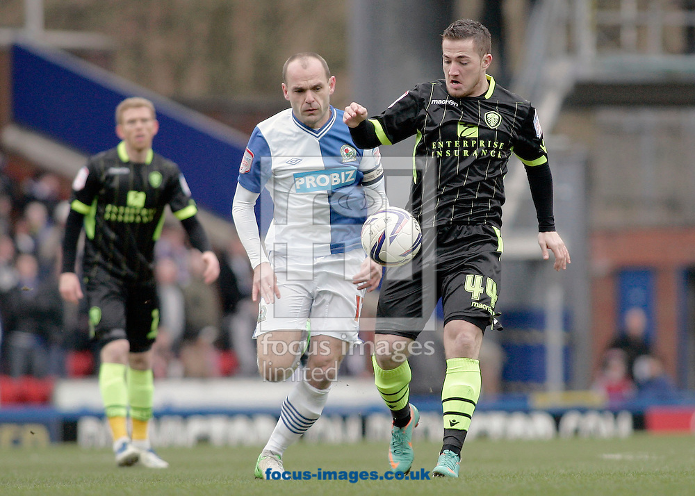 Picture by Michael Sedgwick/Focus Images Ltd +44 7900 363072.23/02/2013.Ross McCormack of Leeds United and Danny Murphy of Blackburn Rovers in action during the npower Championship match at Ewood Park, Blackburn.